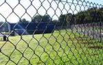 Как сделать забор для дачи из сетки рабица