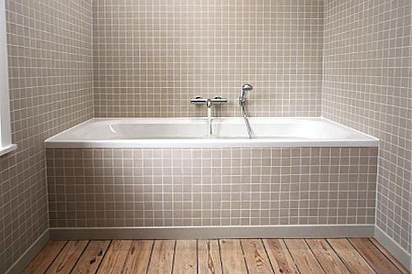 Бордюры делают ванную более элегантной