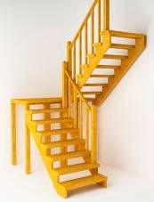 Деревянная лестница с двумя встречными маршами без подступенков