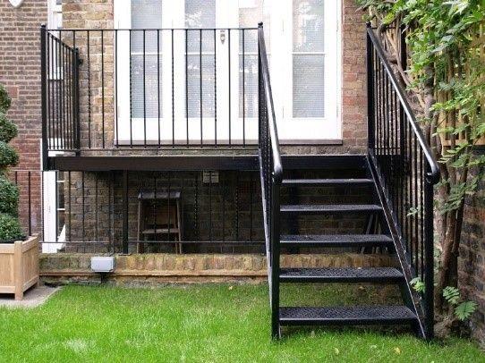 Лестница из металла и металлическое крыльцо