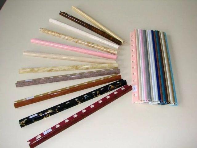 Уголки для кафеля выполняются из разных материалов и в цветовом разнообразии
