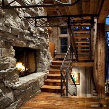 Лестница может выгодно подчеркнуть атмосферу вашего дома