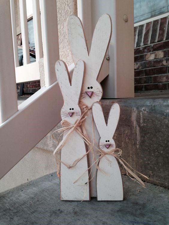 Декор на дачу – зайцы