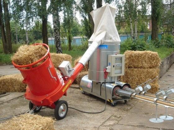 В качестве сырья можно использовать и стружку, и солому, и сено, и сухую листву
