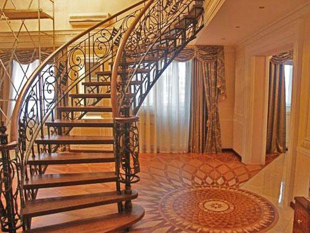 Лестница должна гармонировать с интерьером