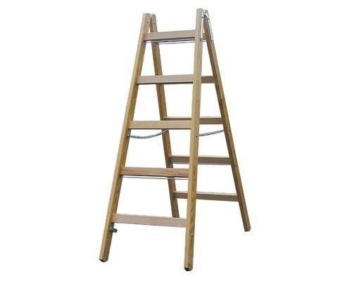 Из двух лестниц получится универсальная стремянка