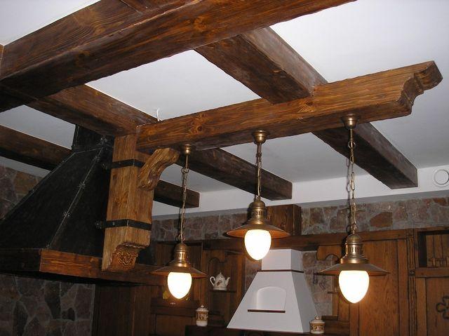 Вариант отделки потолка по несущим балкам